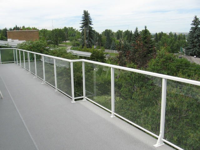 White Aluminum Glass Railing With Vinyl Sun Deck | Mountain View Sun Decks