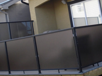Sun Deck With Aluminum Glass Railing And Privacy Wall | Mountain View Sun Decks