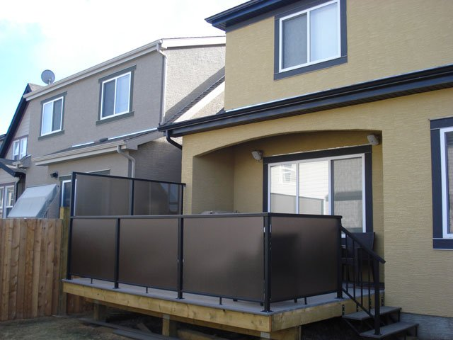 Tinted Privacy Wall | Mountain View Sun Decks