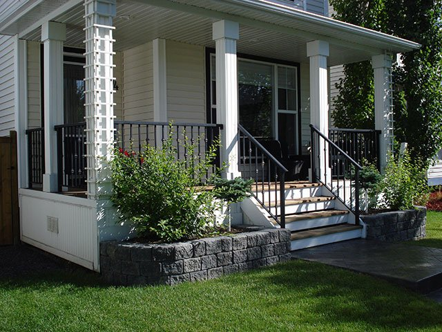 Black Custom Railing System | Mountain View Sun Decks