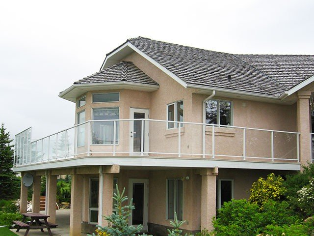 Railing Systems Glass With Wind Wall | Mountain View Sun Decks