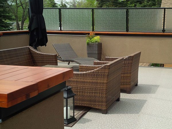 Black Privacy Wall | Mountain View Sun Decks