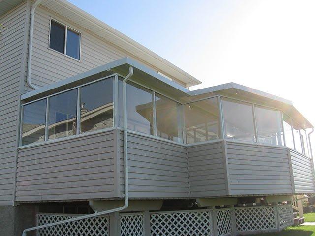 Glass Wind Wall Sun Room | Mountain View Sun Decks