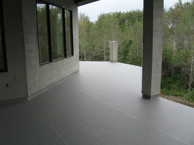 Vinyl Deck Grey With Piller | Mountain View Sun Decks