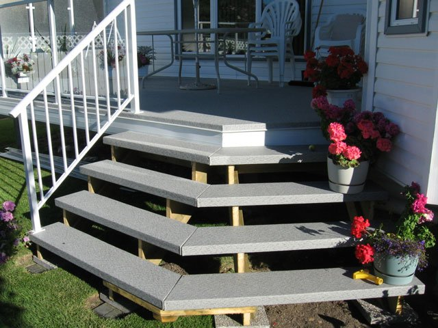 Vinyl Deck Stair System | Mountain View Sun Decks