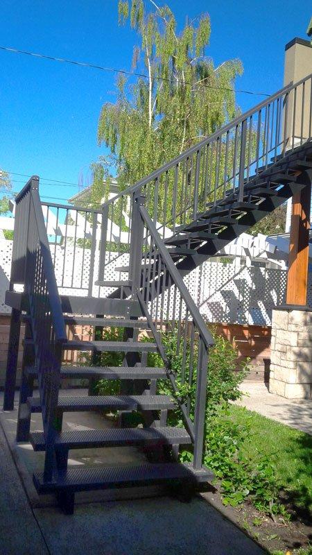 Mountain View Sun Decks stairs
