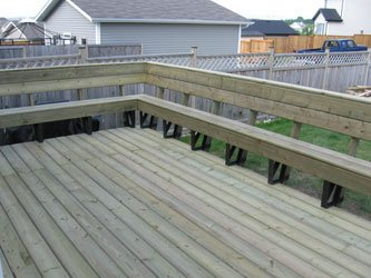 Wooden Sun Deck With Bench Railing | Mountain View Sun Decks