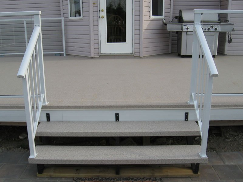 Beige Vinyl Stairs With Aluminum Picket Railing and Glass Railing | Mountain View Sun Decks