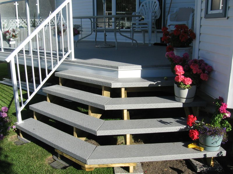 Vinyl Topped Wooden Stairs With Picket Railing | Mountain View Sun Decks