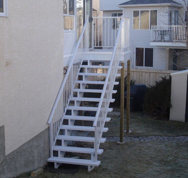 White Vinyl Stairs With Picket Railing | Mountain View Sun Decks